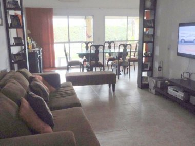 Rent House 5 Rooms in Tigre, Jacaranda II, Tigre
